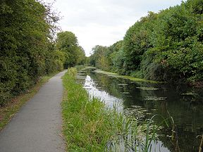 288px-Wilts-and-Berks-Canal-Swindon