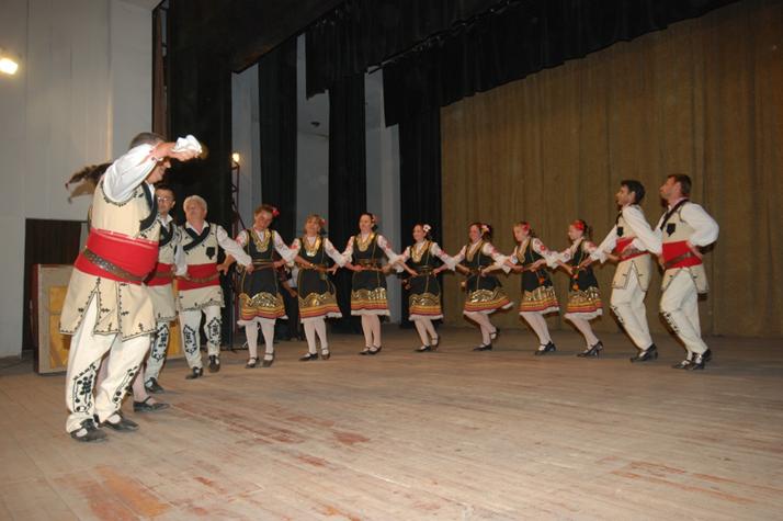 dancers-local