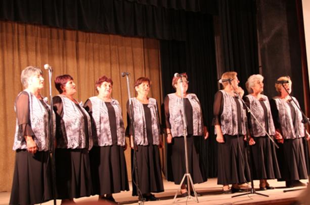 local-choir-ladies