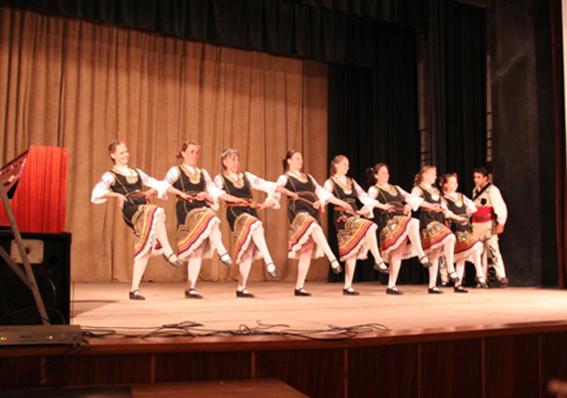 local-dancers